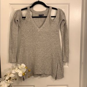 American eagle off shoulders sweater